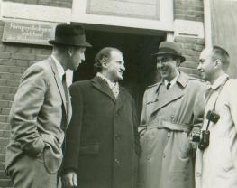 Croiset with FBI agents
