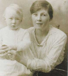 photo of Mary Sutton with infant daughter Phyllis