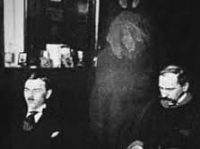photo of Kluski seance