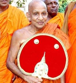 photo of a Sri Lankan chief monk